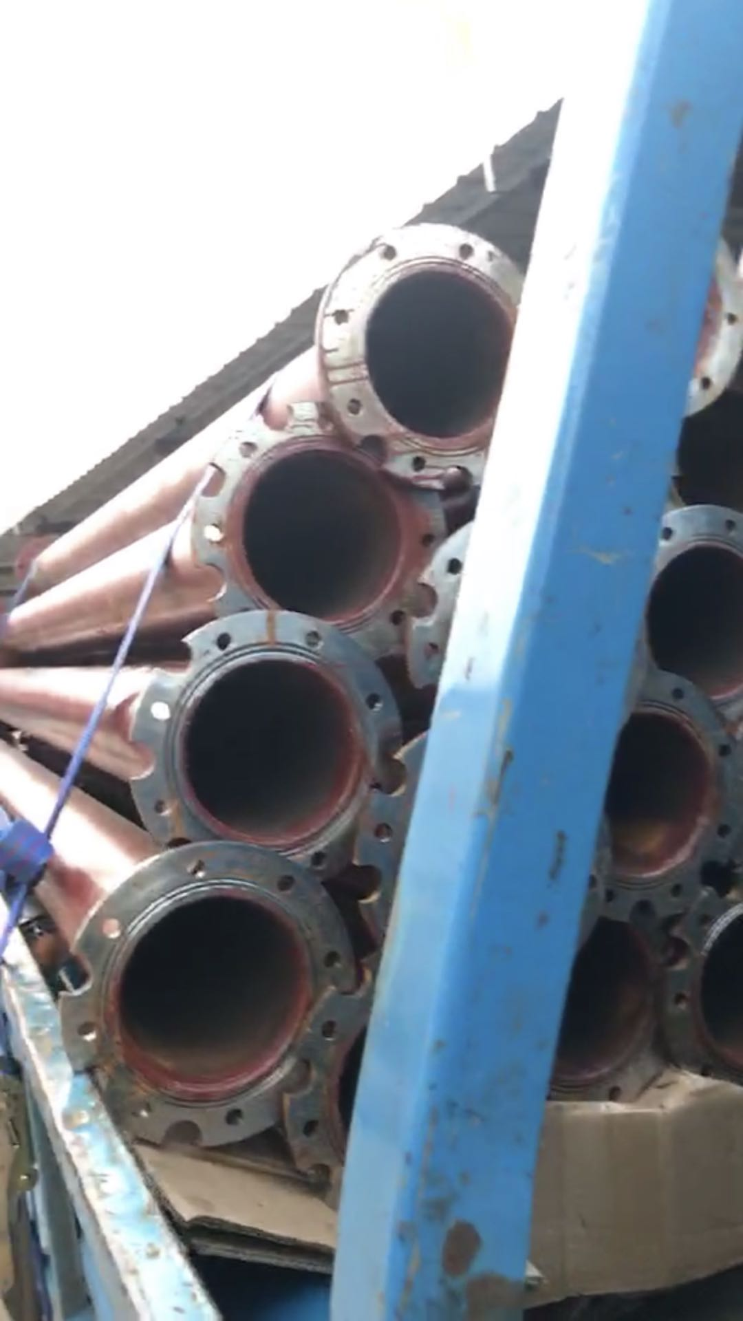250QJR耐高温热水泵及无缝管安装现场走起第2张-潜水电机-潜水电泵-高压潜水电机-天津潜成泵业